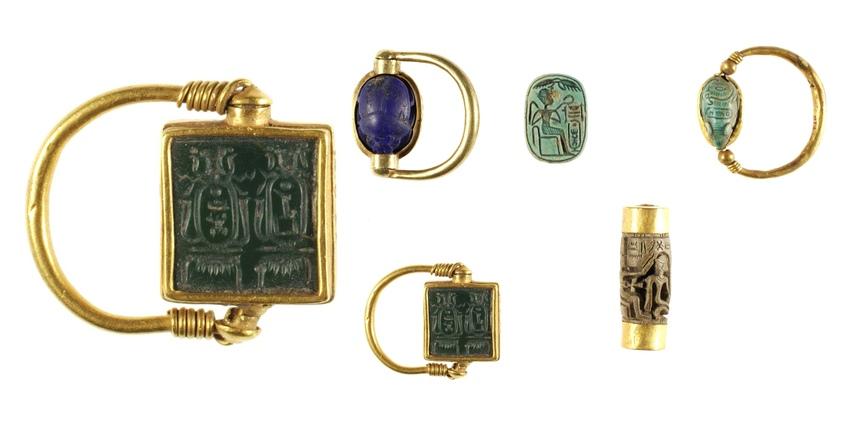 Золотые кольца Хатшепсут и Тутмоса III со вставками из яшмы